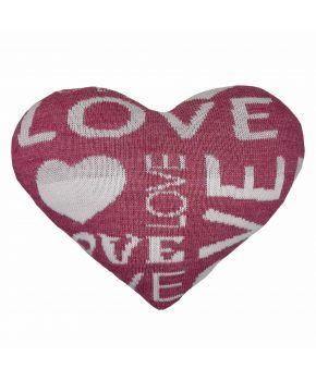Декоративная подушка вязаная сердце розовая
