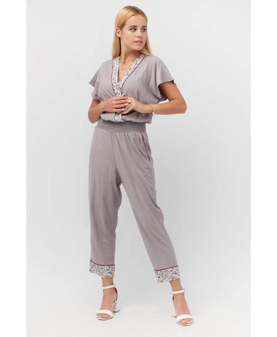 Комбинезон женский с узкими брюками