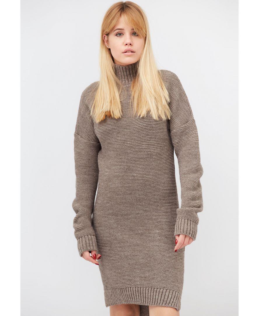 Платье теплое вязаное кедр