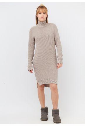 Женское теплое вязаное платье крем