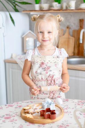 Кухонный фартук детский Bella Розы с кружевом